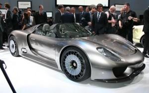 Porsche 918 Spyder: charming indiscretions tariff