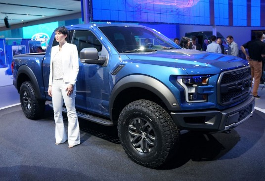 2015 Detroit Auto Show: Ford F-150 Raptor