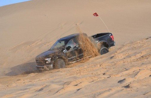 Ford F-150 Raptor: Testing in the desert