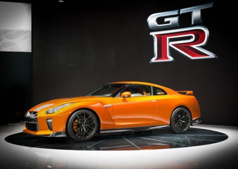 2017 Nissan GT-R debuts at New York Auto Show
