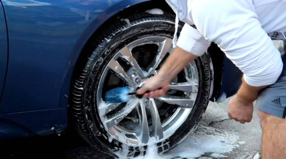 How thoroughly clean your car tires?