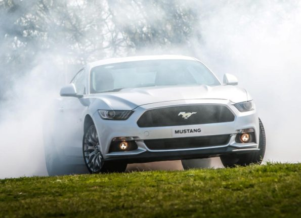 Ford Mustang, also hybrid in 2020