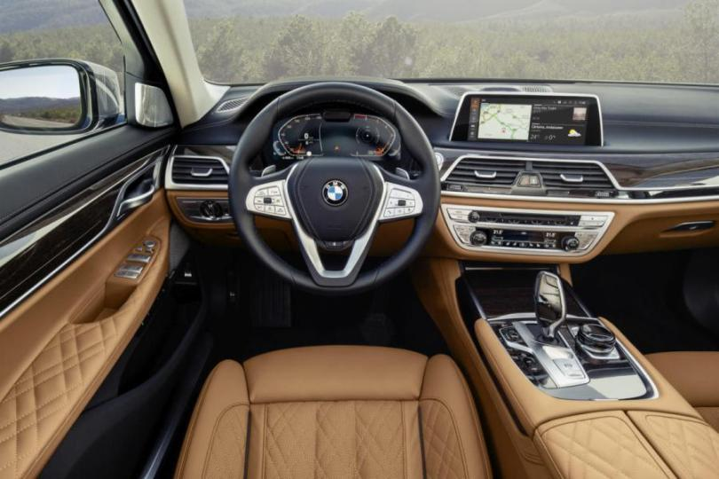 2019 BMW 7 Series interior